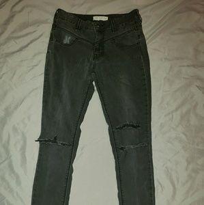 Bullhead Ripped Knee Jeans